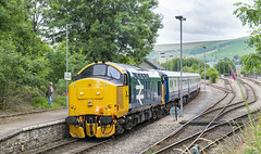 37418 Rhymney 11/07/2019 (Waddo's World of Railways) Tags: 37418 418 374 37 2r20 class37 largelogo train rail railway diesel loco locomotive tractor growler syphon ee locohauled wales valleys welshvalleys rhymney rhymneys cardifftorhymney largelogoclass37 colasrail transportforwales tfw station valley thrash clag