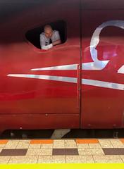 Thalys #9381 at Amsterdam Schiphol (Paul Keller) Tags: airport amsterdam thalys travel