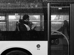 ... (Ewedan Photography & Art) Tags: blackwhite bw blackandwhite bnw bild blackandwhitephoto bus czarnobiale czarnobiałe czarnobiało canon danielslominski deutschland door ewedan einfarbig mensch people menschen germany reisen fenster foto fotografia fotografie g7xmii g7x human hamburg image images pic picture pictures linien kunst art mono monochrome obraz okno photo photography regen schwarzweiss strase streetphotography streetart schwarzweis streetstyle sztuka autobus ulica window