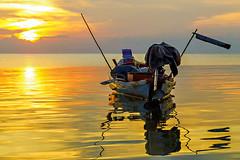 KhoPhaNgan_5818 (Jean-Claude Soboul) Tags: khophangan sunset sunshine sea boat fishing asia thailand canon happyplanet asiafavorites