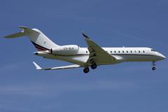 NetJets Europe Bombardier BD-700-1A10 Global 6000; CS-GLH@ZRH;24.06.2019 (Aero Icarus) Tags: zrh zürichkloten zürichflughafen zurichairport lszh plane avion aircraft flugzeug