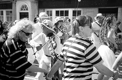 Golowan Parade, Penzance (RickC.) Tags: golowan cornwall kernow penzance fiddle dancers parade english festival olympus xa2 hp5 ilford d76 bwfp street