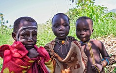 Suri Boy, 2 Girls (Rod Waddington) Tags: africa african afrique afrika äthiopien ethiopia ethiopian ethnic ethnicity etiopia ethiopie etiopian outdoor omovalley omo omoriver outdoors suri tribe tribal traditional boy girls children culture cultural portrait people painted face