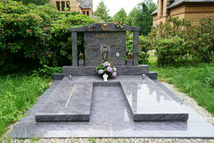 Letze Ruhe (PictureBotanica) Tags: friedhof grab grabsteine ruhestätte