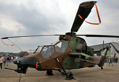 French Tiger (Schwanzus_Longus) Tags: fassberg fasberg german germany france french modern aviation helicopter military army combat tiger hap eurocopter