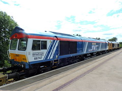 """66747 """"Made in Sheffield"""" (mike_j's photos) Tags: 66747 66723 swinton gbrf class66"""