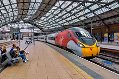 Arrival (whosoever2) Tags: uk united kingdom gb great britain england nikon d7100 train railway railroad july 2019 liverpool lime street station virgin trains pendolino class390 390008 1f14 london roof