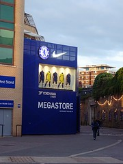 2019-07-11_20.29 - Shop, Chelsea, London, Stamford Bridge, Chelsea FC_1(DSC-WX350) (Nomadic Mark) Tags: london shop stamfordbridge chelsea chelseafc