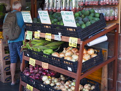 P6040173 (AndreaK36) Tags: verduras tenerife teneriffa puertodelacruz avocado maiz cebolla