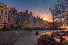 Dluga street at sunset (Vagelis Pikoulas) Tags: street gdansk poland europe travel holidays sun sunset sunburst tokina 1628mm canon 6d eos april spring 2019 city cityscape urban landscape