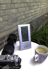 Funny weather, but look at the atmospheric pressure, spot on! (Eduard van Bergen) Tags: gradient celcius atmosphere atmospheric pressure coffee koffie camera lens objective fujinon fuji fujiufilm xe1 50230 asph ois cup kopje weather station weer tuin garden jardin table white picture bild photo foto photograph still birdwatching photography
