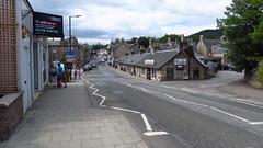 Pitlochry High Street (lizsmith) Tags: lochsandglens lochtummel pitlochry