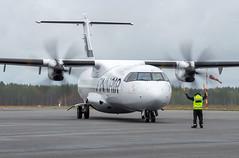ATR72 (OH-ATI) - Norra (Sami Niemeläinen (instagram: santtujns)) Tags: joensuu suomi finland onttola efjo lentoasema lentokenttä airport ilmailu aviation atr atr72 ohati norra turboprop nordic regional airlines lentokone aircraft aeroplane