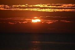 Sunset (_rney_) Tags: sonnenuntergang sunset outdoor himmel wolken water beach sky