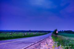 L'heure bleue (guysamsonphoto) Tags: guysamson heurebleue bluehour campagne countryside road route foin hay ballesdefoin