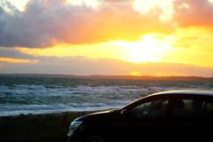 Auto im Sonnenuntergang (sveweg) Tags: urlaub holidays sonne sonnenuntergang auto renault megane dänemark natur romantik
