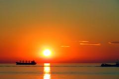 Nieuwvliet (Omroep Zeeland) Tags: nieuwvliet arlette koers scheepvaart zonsondergang