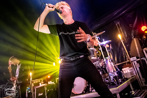Holding Absence at 2000 Trees 2019 Friday neu stage