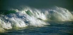 On n'enferme pas le vent... (Sabine-Barras) Tags: réunion waves vagues ocean océan mer sea water eau wind vent sunrise waterscape