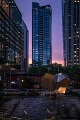Seattle nights (Jim Nix / Nomadic Pursuits) Tags: jimnix lightroom luminar nomadicpursuits seattle sony sonya7ii washingtonstate cityscape streetphotography streetscene sunset travel