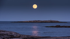 Full Moon over Boön (tonyguest) Tags: full moon sea rocks boön reflections karlshamn blekinge sweden tonyguest water blue sky night seascape longexposure coast