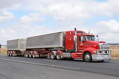 Gall Farming - Kenworth T609 (Scottyb28) Tags: truck trucks trucking highway haulage diesel loaded interstate