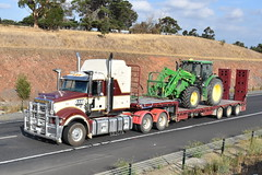 Mack Superliner (Scottyb28) Tags: truck trucks trucking highway haulage diesel loaded interstate