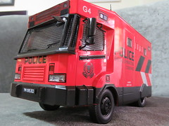 20190713161347 (imranbecks) Tags: 124 spf tactical vehicle tav ptu soc sg singapore police force diecast scale model polwel special operations command unit ang chia red mercedes mercedesbenz 1023a ym1953d collectible benz