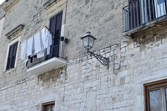 2019-04-01: Houses In The Centre (psyxjaw) Tags: italian italia italy holiday puglia sun spring april bari