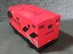 20190713160355 (imranbecks) Tags: 124 spf tactical vehicle tav ptu soc sg singapore police force diecast scale model polwel special operations command unit ang chia red mercedes mercedesbenz 1023a ym1953d collectible benz