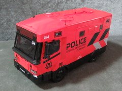 20190713160310 (imranbecks) Tags: 124 spf tactical vehicle tav ptu soc sg singapore police force diecast scale model polwel special operations command unit ang chia red mercedes mercedesbenz 1023a ym1953d collectible benz