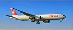 Swiss HB - JNF (Stefan Wirtz) Tags: hbjnf zrh lszh boeing boeingb777 b777 b7773d7er swiss swissboeing swissairline swissboeingb777 kloten zürich zurich zürichairport zürichflughafen kantonzürich airportzürich aeroportzurich flughafenzürich flughafen flugzeug arrival landeanflug jet jetplane plane airplane aeroplane passagiermaschine passagierjet widebody grossraumflugzeug langstreckenflugzeug tamron canon runway runway14 schweiz suisse switzerland