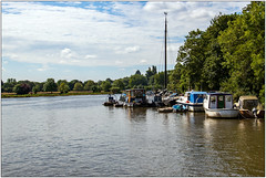 On The Thames (Mabacam) Tags: 2019 london richmonduponthames richmond kingstonuponthames kingston river thames riverthames sky clouds boats outdoor