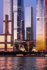 The Vessel (Nathalie Falq) Tags: hudson manhattan nyc newyork architecture building eau fleuve formatportrait heurebleue immeuble nuit paysage paysageurbain fujifilmxt2 xf55200mmf3548rlmois fujifilm