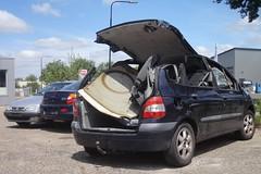 Renault Mégane Scénic 1.6 18-2-2000 70-FD-TT (Fuego 81) Tags: renault mégane scénic 2000 70fdtt onk sidecode6 scrap car autowrak wreck sloopauto epave