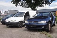 Renault Megane 1.6 Coupé 13-1-2000 05-DZ-BS (Fuego 81) Tags: renault megane coupé 2000 05dzbs onk sidecode6 citroën berlingo twingo 1998 98tfxf scrap car autowrak wreck sloopauto epave
