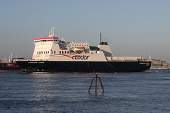 Commodore Clipper, Portsmouth, November 28th 2016 (Southsea_Matt) Tags: southsea portsmouth hampshire england unitedkingdom november 2016 autumn canon 80d commodoreclipper condorferries ferry boat ship solent transport