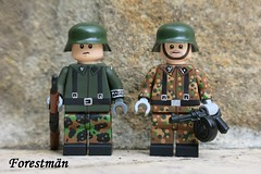 Schüzte and Stellvertretender Gruppenführer, custom Lego (Forestmän) Tags: lego wwii ww2 waffen ss custom painted mp40