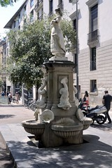 FONT DE LA MAJA MADRILENYA (Yeagov_Cat) Tags: 2019 barcelona catalunya 1958 font fontdelamajamadrilenya lluísmontanéimollfulleda maja majamadrilenya plaçadelavilademadrid plaçavilademadrid