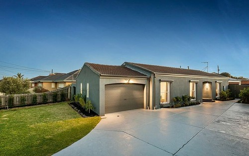 15 Chaumont Drive, Avondale Heights VIC 3034