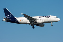 D-AILW - Lufthansa - Airbus A319-114 (5B-DUS) Tags: dailw lufthansa airbus a319114 a319 dus eddl dusseldorf düsseldorf international airport aircraft airplane aviation flughafen flugzeug planespotting plane spotting