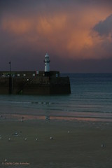 3KB15069a_C (Kernowfile) Tags: smcpentaxda18135mmf3556edalifdcwr cornwall cornish pentax stives cornishharbours sea water sky sunsetsky harbour boats reflections pier wave smeatonspier spray lambethwalk lighthouse pinksky gulls coast