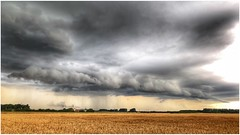 Storm ahoy (Andy Stones) Tags: storm clouds cloud cloudscape sky skywatching weather weatherwatch fields crops farming farmland agriculture countryside outdoors outside image imageof imagecapture photography photoof scunthorpe lincolnshire northlincs northlincolnshire nlincs landscape rain rainfall view scenic