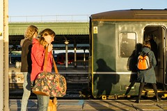 Nosferatu (Nodding Pig) Tags: bristol templemeads railway station train england greatbritain uk 2018 class150 dieselmultipleunit brel sprinter 150002 greatwesternrailway gwr passengers shadows nosferatu autumn 2018111101556101