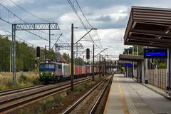 EU07-206 (Łukasz Draheim) Tags: poland polska pociąg pkp landscapes landscape locomotive logistic lights nikon d5200 kolej train transport railway railroad rail scenerie scenery cargo bydgoszcz