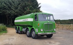 DLK292C painted! (Reiver RE229) Tags: dlk2912c southdown nbc national bus tanker aec mammothmajor lorry classic