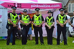 (Zak355) Tags: butepride lbgt parade rothesay isleofbute bute scotland scottish police polis policescotland cops pinksaltire