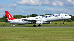 TC-JMK (AnDyMHoLdEn) Tags: turkishairlines a321 staralliance egcc airport manchester manchesterairport 23l