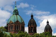 Three Domes (Alan1954) Tags: munich bayern bavaria germany church holiday 2019