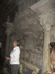 Statuary (cessna152towser) Tags: statuary monument kilmaurs